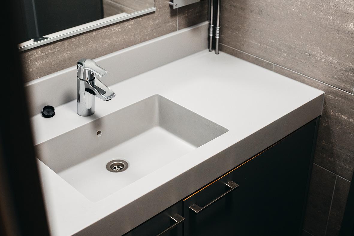 ax-design-sanitettitilat-yrityskalusteet